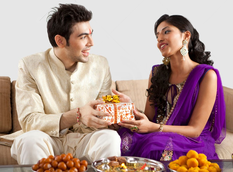 Top 5 Winsome Rakhi Gift Ideas for Sweet Lil' Bro