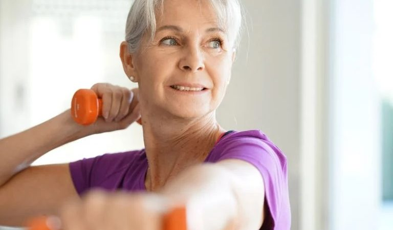 Activities for the Elderly: 5 Tips on Keeping Seniors Active and Healthy