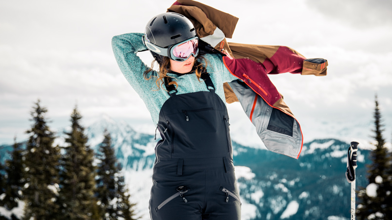 Snow Clothes To Enjoy Your Ski Day In Comfort And Style